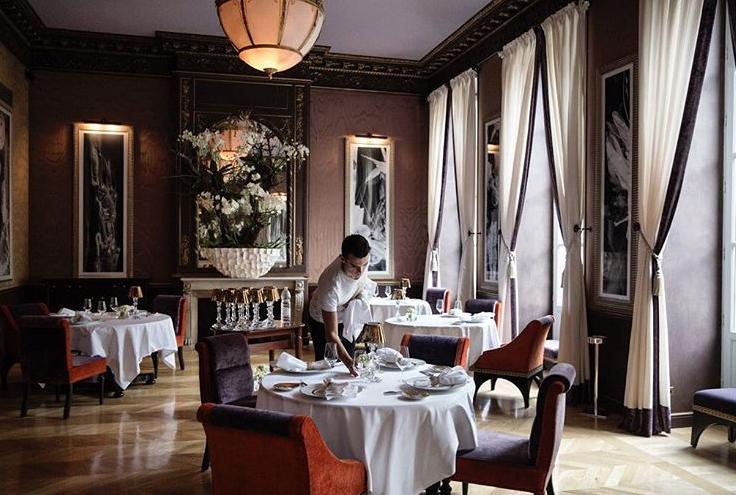 Directeur de salle restaurant le pressoir d argent - Directeur de restaurant ...
