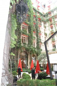 hotel plaza athenee 150